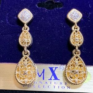Jewelry - NWT 1.5' Two Tone Dangle Earrings CZ Sparkling WOW